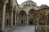 Istanbul Laleli Mosque June 2004 1152.jpg
