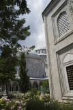 Istanbul Suleymaniye Mosque Graves 2015 1264.jpg
