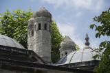 Istanbul Suleymaniye Mosque Outside area 2015 1206.jpg