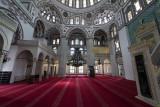 Istanbul Yeni Valide Camii 2015 0814.jpg