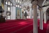 Istanbul Yeni Valide Camii 2015 0819.jpg