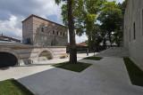 Istanbul Yeni Valide Camii 2015 0826.jpg