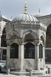 Istanbul Yeni Camii 2015 9366.jpg