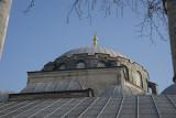 Istanbul Atik Valide mosque december 2015 5817.jpg