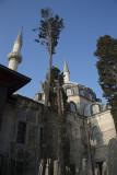 Istanbul Atik Valide mosque december 2015 5818.jpg