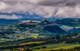 Tuscan Hill Towns & Vineyards