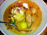 Nahm, Asia's Best Restaurant, yellow curry of cauliflower and  tomatoes with cucumber relish