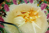 Nahm, rambutan in scented syrup  with thai cup cakes
