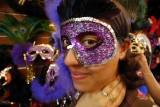 NO 8843 Masked