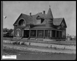 download (49)swenson house.jpg