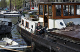 Life on the canals (6)