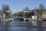 Walter Suskindbrug, Amstel River