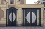 Striking doors (4)