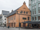Restaurant, theater, museum