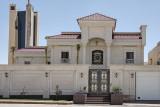 Corner house, entry