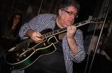 A master jazz guitarist at work