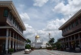 Yayasan Complex (mall) and Omar Ali Saifuddien Mosque