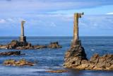 Nividic pylons