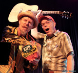 Joe Craven and Rick Anderson clown around while announcing the BB King-autographed guitar