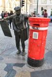Porto. Avenida dos Aliados. Monumento a Ardina