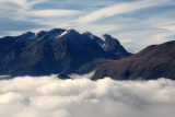 sommets émergeant  des nuages