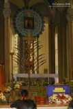 Baclaran Church: altar with Mother of Perpetual Help icon