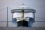 Titanic compared to the latest liner built.