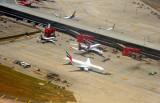 India Airport New Gates w/ Emirates B-777/200, A6-EMJ