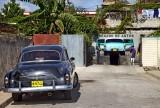 (88)   1951 Chevrolet (left)