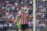 Luuk de Jong misses a chance