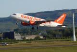 Easyjet A319-111 takes off at Glasgow