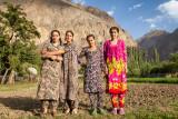 Four young women - Yazgulom