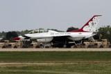 General-dynamics_F16D_8_Thunderbirds