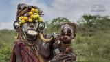 Mensen - Ethiopië - Mago - Mursi vrouw met baby.jpg