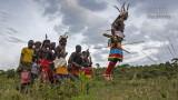 Mensen - Kenia - Suguta Marma - Dansende morans.jpg