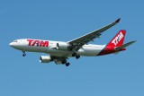 TAM Airbus A330-200 PT-MVV