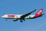 TAM Airbus A330-200 PT-MVP  Football !