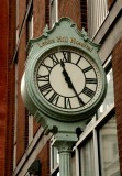470 503 8 Lexington Ave clock.jpg
