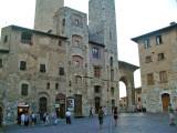 542 San Gimi 38 Piazza della Cisterna.jpg