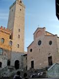 546 San Gimi 35 Piazza della Catterdrale.jpg
