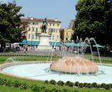 436 130 Verona Piazza Bra 08.jpg