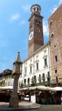445 151 Verona Piazza delle Erbe.jpg