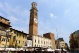 447 154 Verona Piazza delle Erbe.jpg