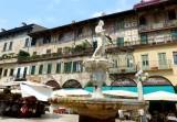 448 156 Verona Piazza delle Erbe.jpg