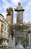 449 160 Verona Piazza delle Erbe.jpg