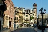 454 168 Verona Piazza delle Erbe.jpg