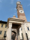 461 182 Verona 08 Piazza delle Erbe.jpg