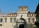 485 232 Verona Piazza Broilo.jpg
