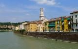 501 260 Verona Banks of the Adige.jpg