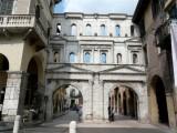 513 280 Verona 08 Porta dei Borsari.jpg
